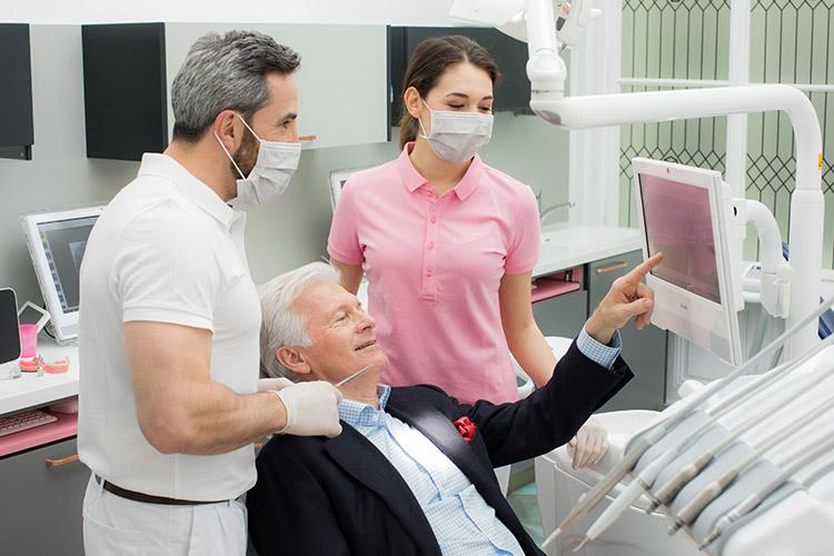 Parodontosebehandlung bei Ihrem Zahnarzt in Wien